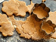 Домашни бисквити / сладки с кисело мляко, яйца и амонячна сода